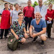 Lien Van de Kelder met Jan van Looveren naar El Salvador